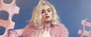 "Katy Perry anticipa su próximo disco con ""Chained to the Rhythm"""